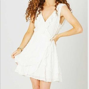 Beautiful white dress from Altar'd State